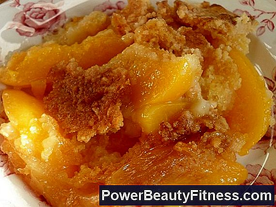 Cobbler Of Low-Calorie Peaches