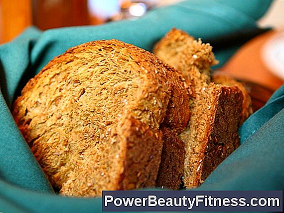 What Nutrients Are Found In Wheat Bread?