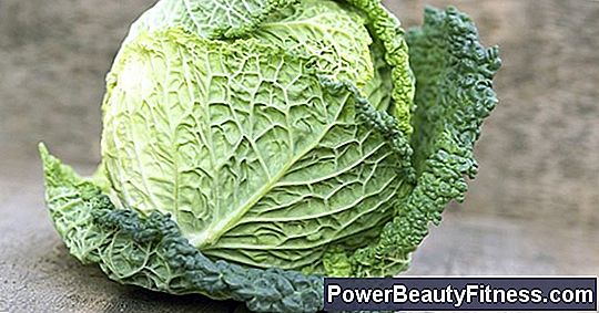 The Nutrition Of Cabbage Vs. Lettuce