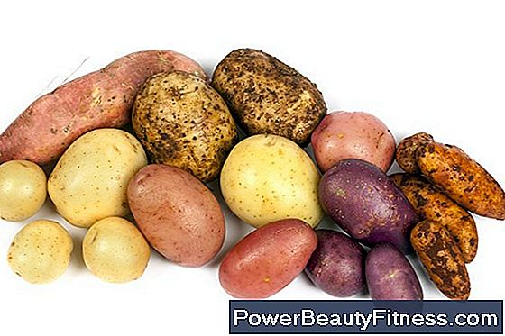 What Has More Carbohydrates, White Potatoes Or Turnips?