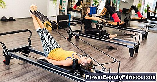 Differences Between Pilates Reformer And Mat Workouts