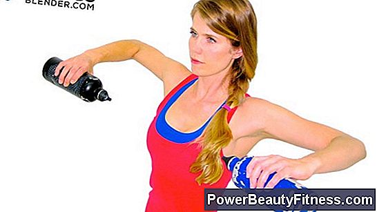 How To Lift Weights Without Losing Circulation In Your Hands