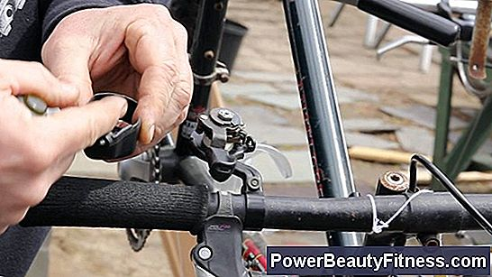 How To Repair The Manual Brakes Of A Bicycle