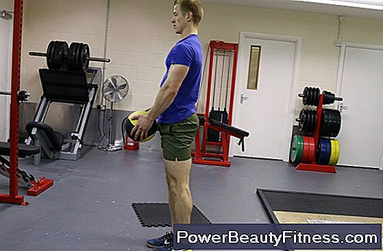 One-Leg Squat With Ball Throw