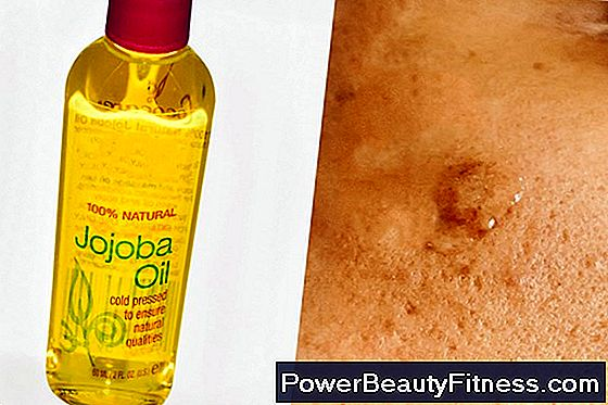 Jojoba Oil Vs Coconut Oil In Combination Skin