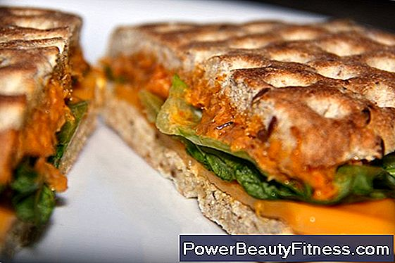 How Many Calories Are In A Tuna Sandwich?