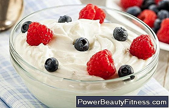 What Types Of Yogurts Are Good For Stomach Disorders?
